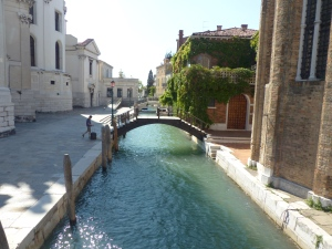 A quiet side canal in the Dosodoro neighborhood of Venice